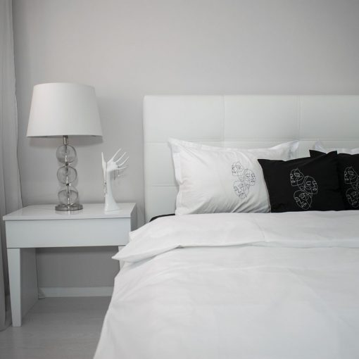 Lenjerie de pat alb-negru secundar