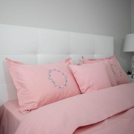 Lenjerie de pat roz secundar