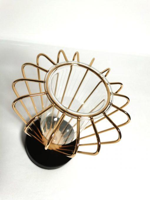 Vază din sticlă în suport metalic terț
