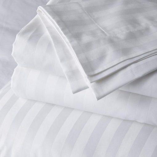 l lenjerie de pat pentru doua persoane boutique damasc premium 4 piese policoton tc 250 150 grmp alb