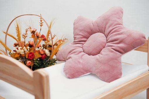 pernuta floare roz 2 1536x1024 2